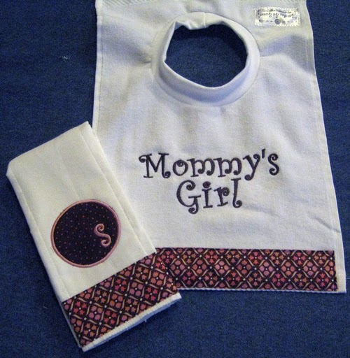 Mommy's Girl Bib